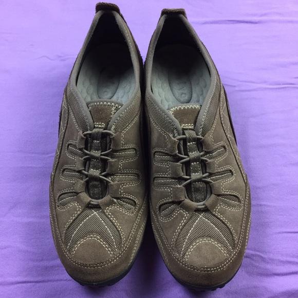 06e4c1c262de Privo by Clark s Women s Slip On Shoes. M 5b8393321b16dbddd5496c33